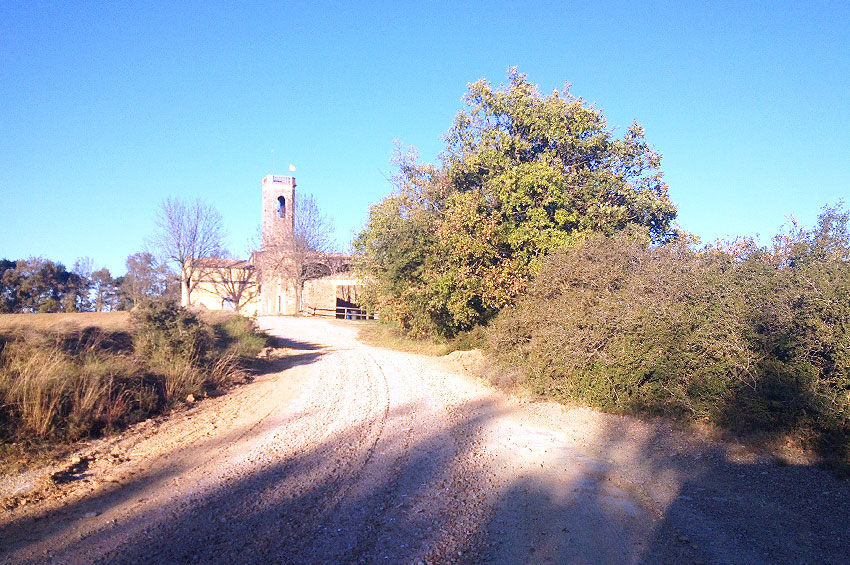 cami-rural-esglesia